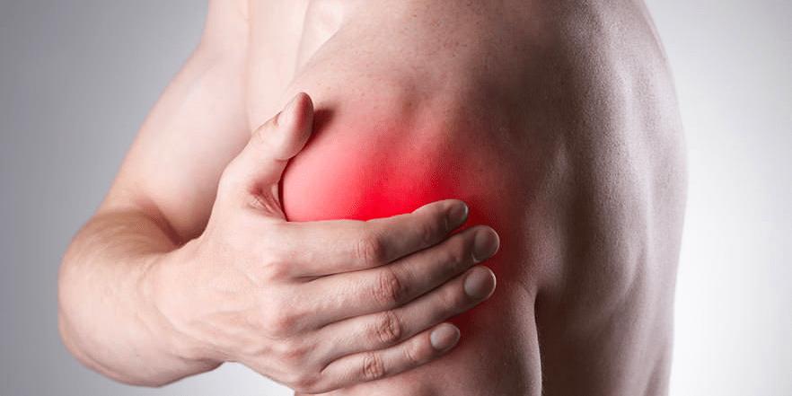 Lesão do manguito rotador: comum em atletas e em pessoas que trabalham carregando peso e com movimentos que elevam os braços acima dos ombros